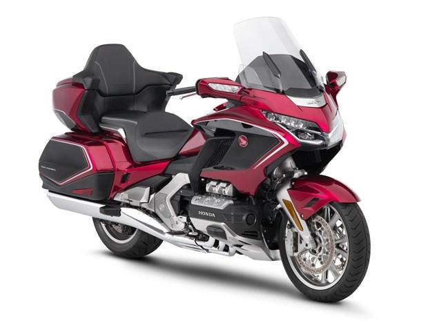 Gold Wing 2018 - Мотоцикл из будущего от Honda